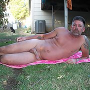 Love the outdoors nothing like having the sun on your body when naked