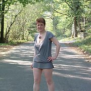 Jan, hot Brit MILF from UK with lovely saggy hangers outdoor exhibitionist