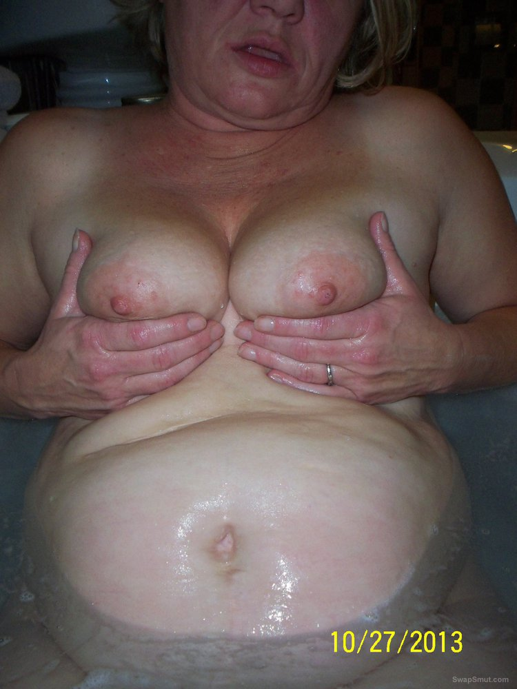 Not deceived wife titties and pussy in tub can recommend