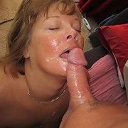 Tremendous woman bitch addicted to cum and leaves us her photos