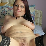 Mature slut loves showing off her pussy