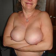 Fabulous big tits of hot Maggy