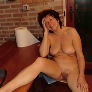 I show my pussy and my body for a long orgasm