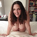 Emily white naked in bed and ready to fuck