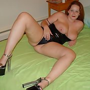 Reyna a very special bi chubby friend teasing us in her bedroom