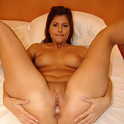 Giving her a full load, see how much cum drips out of her