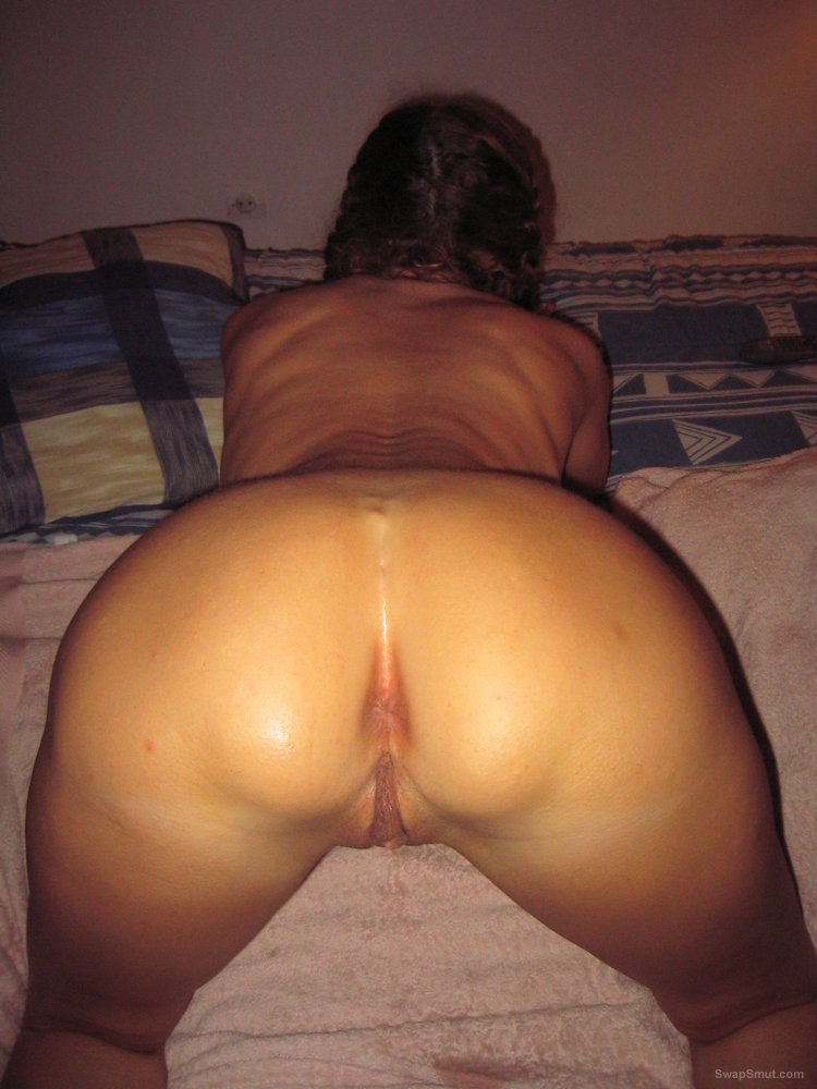 53 year old sexy Anne loves to show her fit hot body