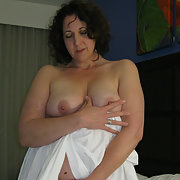 Hot Soccer Mom Brenda Nude at Christmas Showing Herself