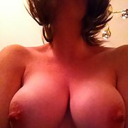 Gorgeous natural tits MILF - Many more pics to offer