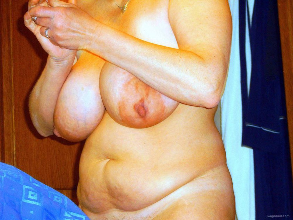 Amateur BBW Woman With Big Tits Posing For Erotica Homemade Porn