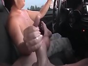 Oad trip fun bonita masturbacion en coche