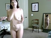 My dream girl showing of on cam and exposing her super body
